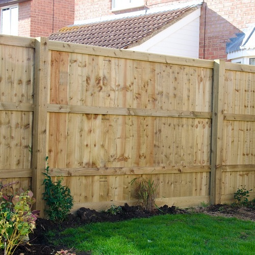 Feather Edge Post & Rail Fencing